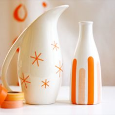 Simple yet pretty :) - Decorate plain ceramics with masking tape for custom wedding or party décor.