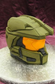 All I know is it's from halo. A HALO CAKE! Gorgeous Cakes, Amazing Cakes, Casco Halo, Halo Cake, Halo Party, Xbox Cake, Video Game Cakes, Video Games, Cool Wedding Cakes