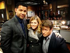 """From Juliana on twitter- """"Still in the kitchen, cookin' up some fresh HOT #Castle cakes. #BTS"""""""