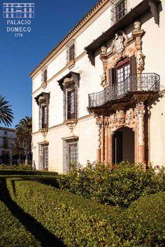 Estrenamos la web del Palacio Domecq: palaciodomecq.com En la imagen, fachada principal del Palacio.