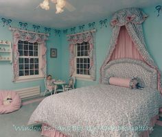 ready and nice decoraciones nancy inspiration babygirlroom toys enjoy crowns pinterest. Black Bedroom Furniture Sets. Home Design Ideas