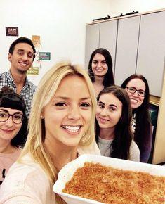 roh- veganer Apfelkuchen und das Team freut sich