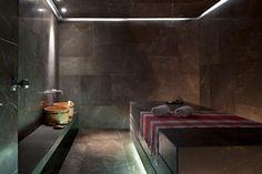 As a leading spa hotel in Amsterdam, the Conservatorium boasts the luxurious Akasha Holistic Wellbeing. Spa Design, Design Hotel, Simple Pool, Desktop, Turkish Bath, Luxury Spa, Luxury Hotels, Bathroom Spa, Resort Spa