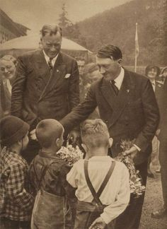 Adolf Hitler. Unpublished Photos (39 pics)