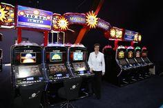 Die Merkur Spielbank in Leuna mit Spielbankenchefin Claudia Bieling