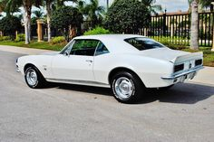 Ok now this is my dream car! Look how beautiful she is! 1967 Chevrolet Camaro rs SS 350 v-8
