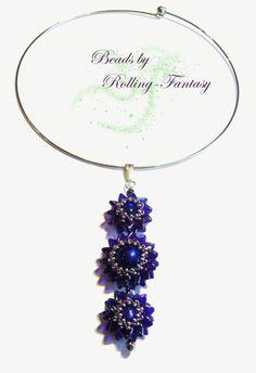 Blüten-Collier aus Perlen in Lila-Blau und Silber von Beads by Rolling-Fantasy auf DaWanda.com