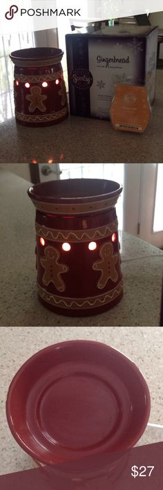 Scentsy Full Size Holiday Warmer This cute and  Christmasy Scentsy Warmer is in the Gingerbread design.. no chips, or scratches, with original box, 25 watt bulb, and Pumpkin Roll Scentsy Bar included. Scentsy Other
