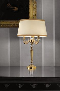 Classic table lamp, molded foot in polished brass, glass elements, ivory shantung shade and golden borders - Murano glass and crystal - Available on Vraiment Beau - We deliver worldwide - Référence: 20020131 Classic Lighting, Luxury Lighting, Ivoire, Glass Table, Messing, Polished Brass, Murano Glass, Wall Lights, Chandelier