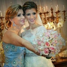 Claudia e Carina Laranja com brincos #mairabumachar #noivasmb #noiva #bride #lookmb