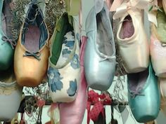 Used pastel Ballet point shoes for a chandelier or mobile Dance Like No One Is Watching, Just Dance, Dance Photos, Dance Pictures, Dance Images, Pointe Shoes, Ballet Shoes, Toe Shoes, Ballerinas