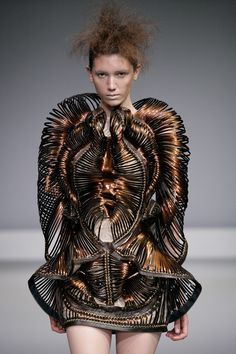 Sculptural Fashion - complex 3D coil structure; fashion as art // Synesthesia, Iris van Herpen