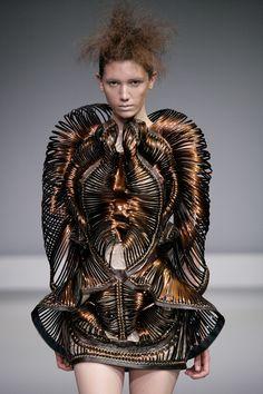 Sculptural Fashion - complex 3D coil structure; fashion as art // Synesthesia, Iris van Herpen