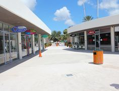 boulevard mambo beach curacao.  #curacao #restaurants #tips #vakantie #travel…