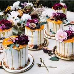 Y E S . P L E A S E // these beauties by @amyssweetbakeshop