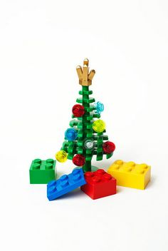 I used to have some of these Lego Christmas trees but they were taken away from me as a child. I'll bet my family had no idea what they would be worth to me today. :(