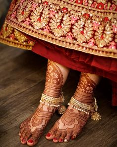 Henna is the most traditional part of weddings throughout India. Let us go through the best henna designs for your hands and feet! Wedding Mehndi, Bridal Henna, Indian Bridal, Wedding Bride, Dream Wedding, Wedding Wear, Bride Groom, Bridal Mehndi Designs, Henna Designs