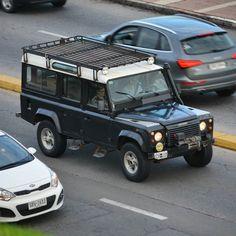 Land Rover Defender 110 #montevideo #uruguay #landrover #landroverdefender #4x4 #instacars #igersuruguay #oldschool #allwheeldrive #british by exoticosuy Land Rover Defender 110 #montevideo #uruguay #landrover #landroverdefender #4x4 #instacars #igersuruguay #oldschool #allwheeldrive #british