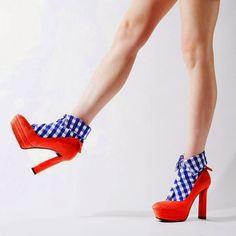 shirt-socks-erimaki-sox-fashion-girl-trendy-style-crazy-moda-calcetines-con-cuello-tendencias-PiensaenChic-Piensa-en-Chic.jpg (692×692)