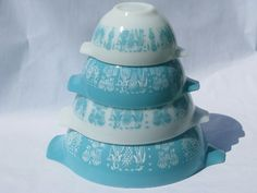 Love vintage pyrex - Amish butterprint. $48.50 for the set!