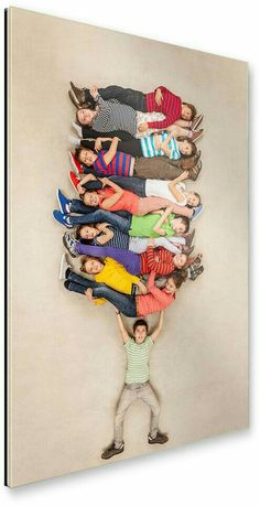 Children in imaginative pictures arranged on the floor - Deko / Fotoideen - Auction Projects, Art Auction, Art Projects, Creative Photography, Photography Poses, Family Photography, Foto Fun, Collaborative Art, Creative Photos