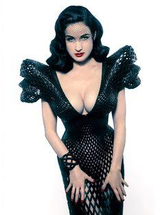 Dita von Teese in a iris van herpen 3d printing dress- Google-Suche