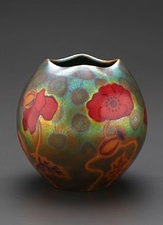 Poppy Vase by Zsolnay | Collectors Weekly