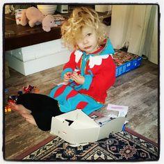 Pietenpak aan en spelen met de buit! #pietenpak #playmobil #sinterklaas #sinterklaaskalender #allevakjesalopen #harrystyleslookalike #dankusinterklaasje