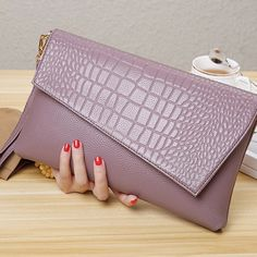 Brown Leather Purses, Leather Clutch, Clutch Bag, Sacs Design, Fab Bag, Leather Bags Handmade, Wallets For Women, Purses And Handbags, Party Bags