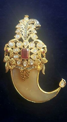 Latest Collection of best Indian Jewellery Designs. Latest Collection of best Indian Jewellery Designs. Kids Gold Jewellery, Indian Jewellery Design, Rose Gold Jewelry, Indian Jewelry, Jewelry Design, Jewellery Bracelets, Baby Jewelry, Kids Jewelry, Temple Jewellery