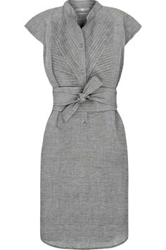 Perfect! Flattering for smalls pear and inverted triangle body shapes. Elegant gray and below the knee length are elegant and the pleats and tie are creative or femme. - BleuVous.com