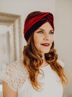 Freue mich, euch diesen Artikel aus meinem Shop bei #etsy vorzustellen: Haarband, Turban-Stirnband Nicki, Samt dunkelgrün Turban Headbands, Festival Looks, Dark Red, Hand Stitching, Headpiece, Paisley, Braids, Velvet, Pure Products