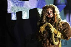 Avi Kaplan as The Cowardly Lion in Pentatonix's medley/cover of Wizard of Ahhhs Pentatonix Avi, List Of Bands, Cowardly Lion, Best Fan, Wizard Of Oz, Green Eyes, Album, Time Photo, Musicians