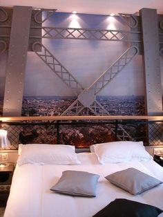 Eiffel Tower room