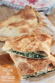 Calzone de espinacas Avocado Recipes, Veggie Recipes, Cooking Recipes, Healthy Recipes, Quiches, Crescent Roll Recipes, Salty Foods, Best Comfort Food, Food Challenge