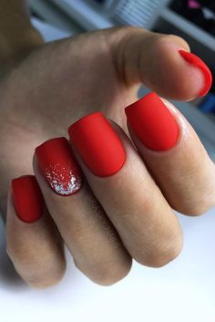 The advantage of the gel is that it allows you to enjoy your French manicure for a long time. There are four different ways to make a French manicure on gel nails. The choice depends on the experience of the nail stylist… Continue Reading → Xmas Nails, Holiday Nails, Christmas Nails, Fall Nails, Winter Christmas, Red Matte Nails, Red Acrylic Nails, Burgundy Nails, Red Nail Art