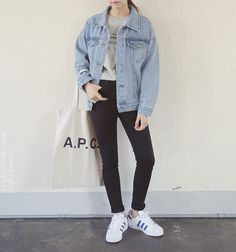 Korean Fashion Trends you can Steal – Designer Fashion Tips Korean Fashion Pastel, Korean Fashion Trends, Korean Street Fashion, Asian Fashion, Look Fashion, Fashion Outfits, Fashion Styles, Korean Fashion Tomboy, Grunge Style