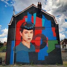 Btoy in Lille, France, 2019 Street Art, Bee Free, Bansky, Spanish Artists, Concrete Jungle, Letter B, Art Mural, Urban Art, Pictures