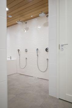 Hakusanat: Kotitehdas, Passiivikivitalo, kivitalo, arkkitehti Pet Michael, kylpyhuone, ABL-laatat, Unidrain