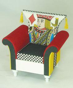 Kari Bloom, Miniton Miniatures, Miniature furniture