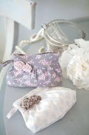 tild w 12 — Yandex. Makeup Bag Pattern, Clutch Bag Pattern, Bow Clutch, Purse Patterns, Sewing Patterns, Sewing Ideas, Pochette Diy, Japanese Knot Bag, Frame Purse