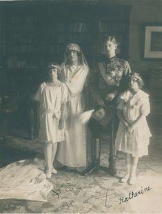 117   CAROL II: (1893-1953) King of Romania 1930-40 & HELEN
