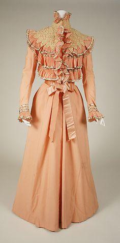 Dressing gown, Department Store: Wanamaker's (American) Date: 1897–1900 Culture: American Medium: wool, silk