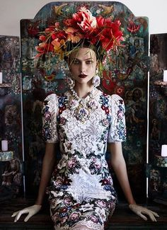 """In Dolce? Shot by Mario Testino? huffpoststyle: """" Loving this look! dolcegabbana: """" Karlie Kloss in Dolce&Gabbana for Vogue UK, shot by Mario Testino """" """" Foto Fashion, Fashion Art, Editorial Fashion, High Fashion, Vogue Editorial, Vogue Fashion, Floral Fashion, Baroque Fashion, Style Fashion"""