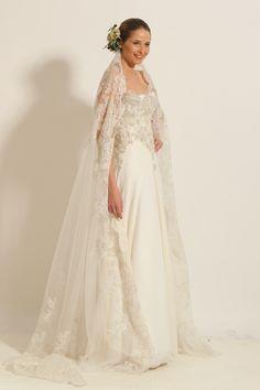 Vestido de novia de tul, bordado en plata y piedras. Mantilla de tul bordado  by…