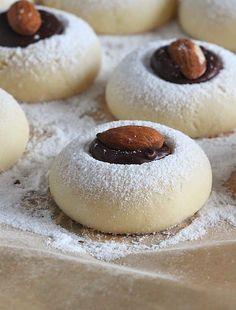 Translated version of test. Waffle Cookies, Biscuit Cookies, Cake Cookies, Choco Truffle, Cookie Recipes, Dessert Recipes, Algerian Recipes, Marijuana Recipes, Easter Cookies