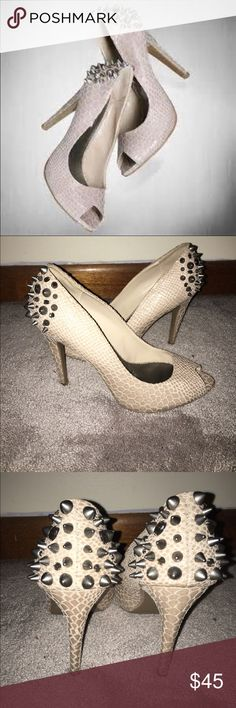 Faux Snakeskin Nude Beige Peep Toe Spiked Heels Nude peep toe pumps with awesome studs, gems and spikes. Simply Vera Vera Wang Shoes Heels