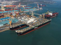 pipelay vessels   ... Schelte, the world's largest decommissioning and pipe laying vessel