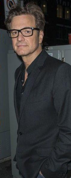 Colin Firth Via : http://www.unica.ro/detalii-articole/articole/vine-crezi-aceeasi-varsta-diferenta-vedete-36549.html