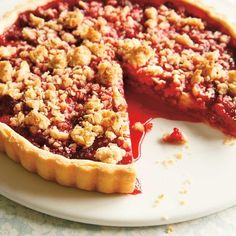 August is a good month to experiment new recipes on a hot day. Raspberry Crumble, Pastry Recipes, Tart Recipes, Sweet Recipes, Pie Crumble, Crumble Recipe, No Bake Desserts, Just Desserts, Yogurt